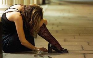 Girl_drinker