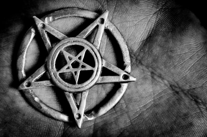 MAGIC, RELIGION & HELLHOUSES